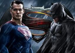 Трейлер Бэтмен против Супермена взбудоражил интернет
