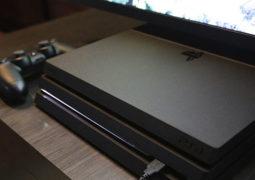 Рекламный ролик консоли PS4 Pro в стиле 80-ых