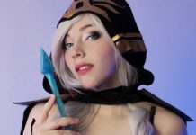 косплей ледяной лучницы Эш из League of Legends фото